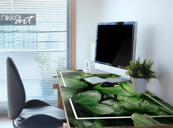Möbelaufkleber mit tropischen Blättern