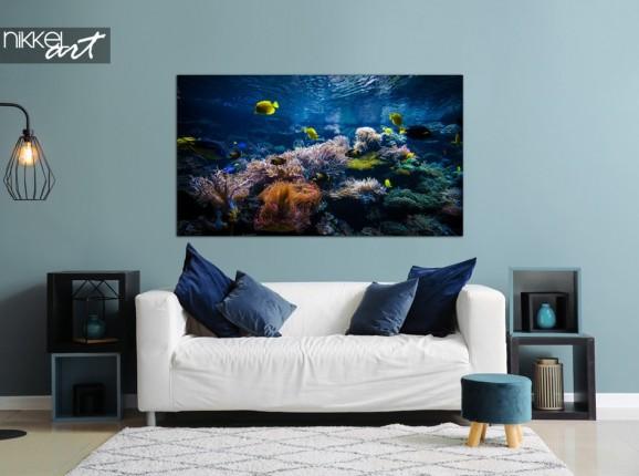 Wohnzimmer mit Fotokorallenriff auf Alu-dibond